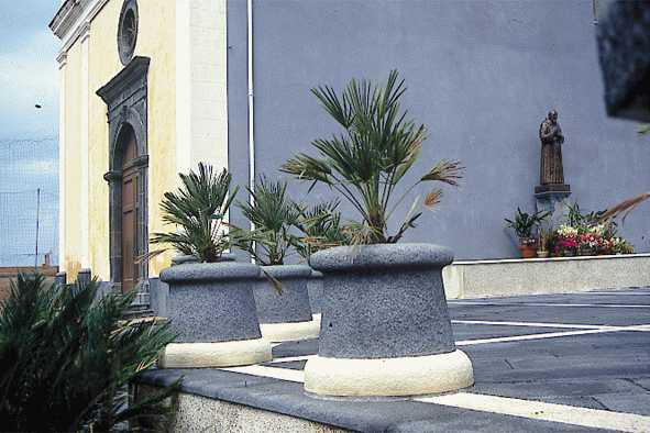 vasi pietra lavica